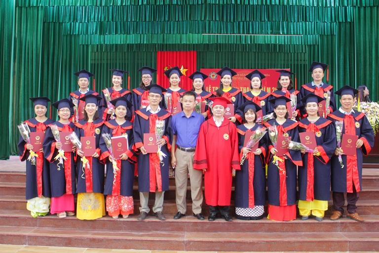 Trường Đại học Hồng Đức trao Bằng Thạc sĩ Khóa X (2017 - 2019)